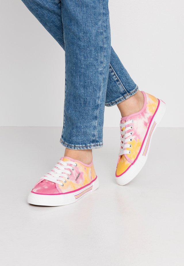 Sneakersy niskie - pink/yellow