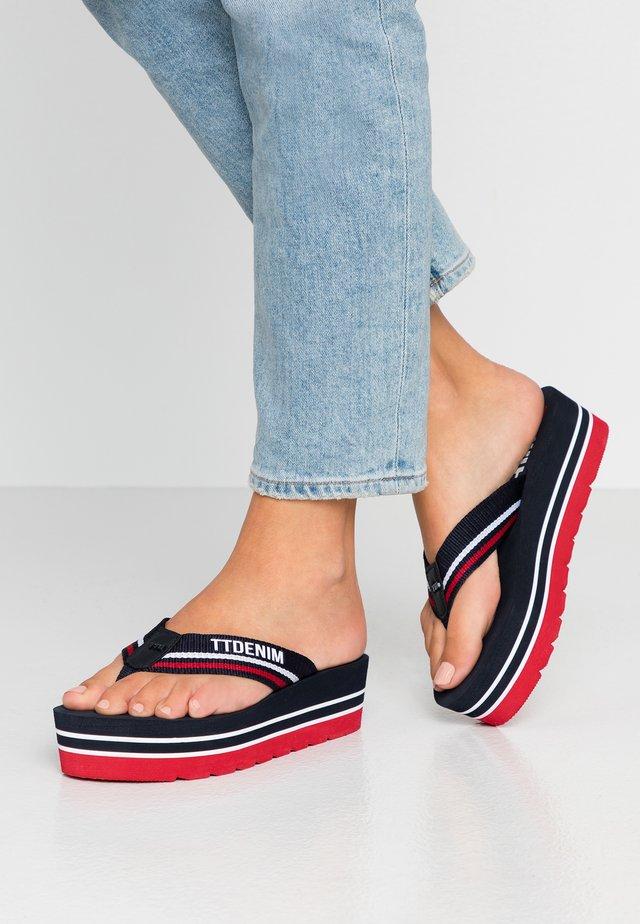 Sandály s odděleným palcem - navy