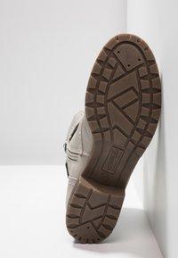 TOM TAILOR DENIM - Šněrovací kotníkové boty - offwhite - 6