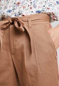TOM TAILOR DENIM - STRAIGHT CULOTTE - Pantalon classique - warm beige                    brown - 4