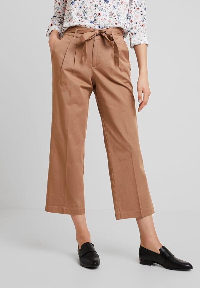 STRAIGHT CULOTTE - Trousers - warm beige                    brown