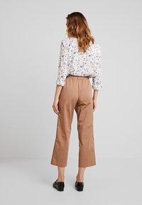 TOM TAILOR DENIM - STRAIGHT CULOTTE - Pantalon classique - warm beige                    brown - 2