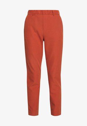 CIGARETTE PANTS - Spodnie materiałowe - fox orange