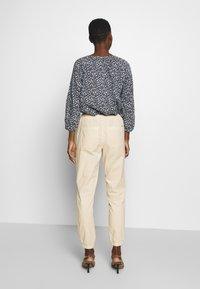TOM TAILOR DENIM - UTILITY TRACK PANTS - Bukse - sand beige - 2