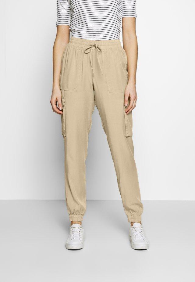 SOFT UTILITY TRACK PANTS - Spodnie materiałowe - dark beige