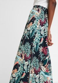TOM TAILOR DENIM - SKIRT - Maxi sukně - colorful/green - 4