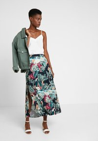 TOM TAILOR DENIM - SKIRT - Maxi sukně - colorful/green - 1