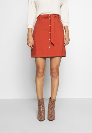 BELTED CARGO SKIRT - Mini skirt - fox orange