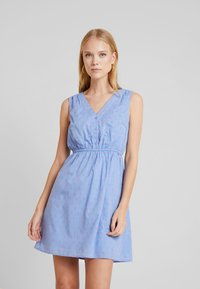 TOM TAILOR DENIM - FIL COUPÉ MINI DRESS - Skjortekjole - chambray pink/blue - 0