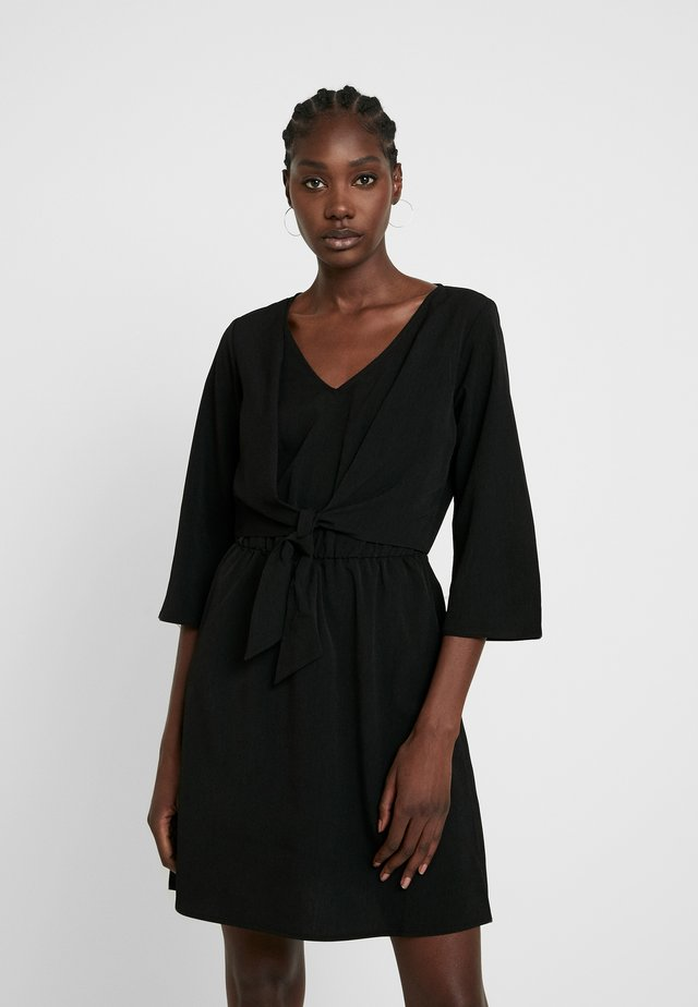 MINI WRAP DRESS - Sukienka letnia - deep black