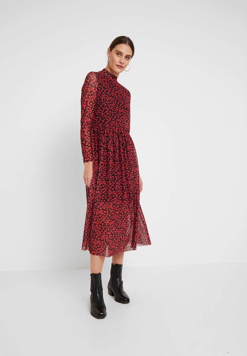 TOM TAILOR DENIM - PRINTED MESH DRESS - Vestido informal - black/red