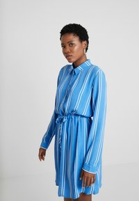 TOM TAILOR DENIM - PRINTED DRESS - Blousejurk - blue/white - 3