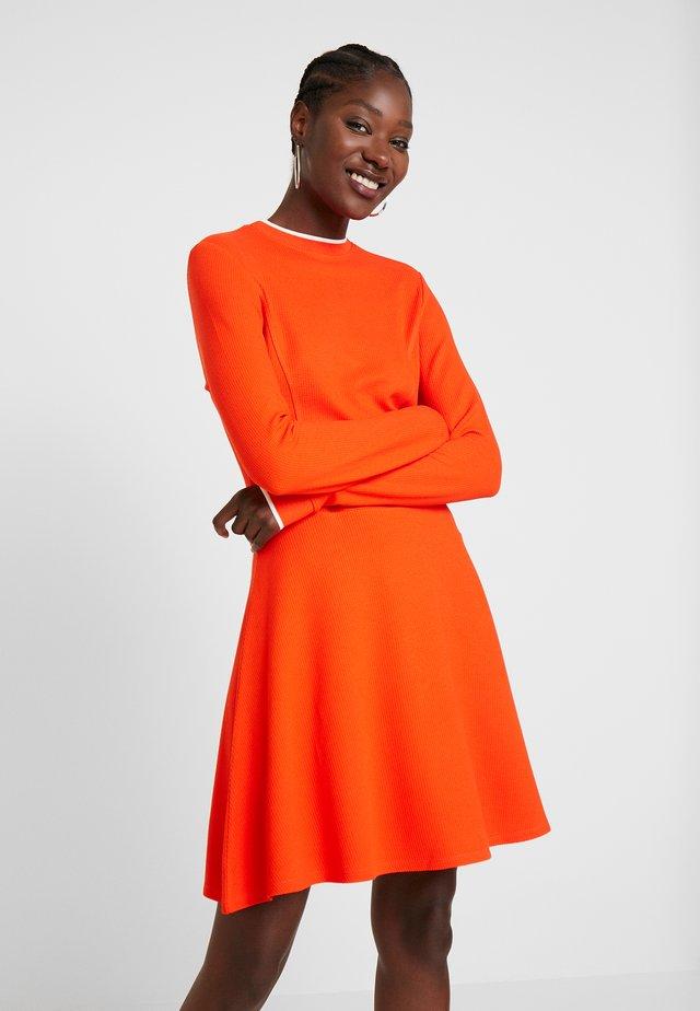 SKATER DRESS - Sukienka z dżerseju - signal red