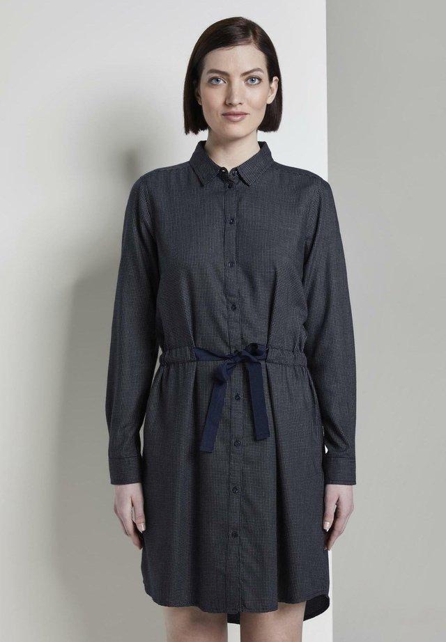 SHIRT DRESS - Vestido camisero - navy small grid