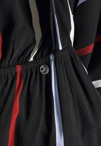 TOM TAILOR DENIM - TROPICAL  - Maxi-jurk - black/blue/rust - 3