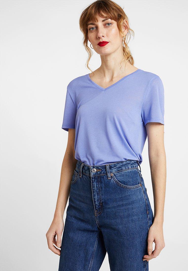 TOM TAILOR DENIM - EASY V NECK TEE - Basic T-shirt - blue blossom
