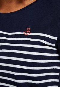 TOM TAILOR DENIM - STRIPE SLUB TEE - T-shirt z nadrukiem - sky captain blue - 4