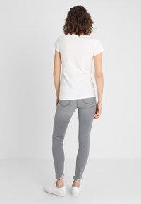 TOM TAILOR DENIM - 2 PACK - T-shirt z nadrukiem - shale grey melange - 2