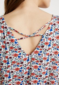 TOM TAILOR DENIM - ALL OVER PRINTED - Top - off white - 5