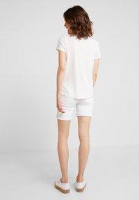 TOM TAILOR DENIM - PRINTED STRIPE TEE - T-shirt med print - off white/rose - 2
