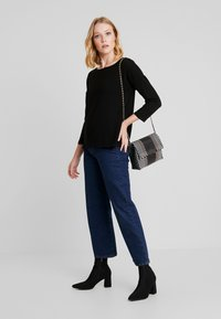 TOM TAILOR DENIM - LONGSLEEVE WITH BOW AT BACK - Pitkähihainen paita - deep black - 1