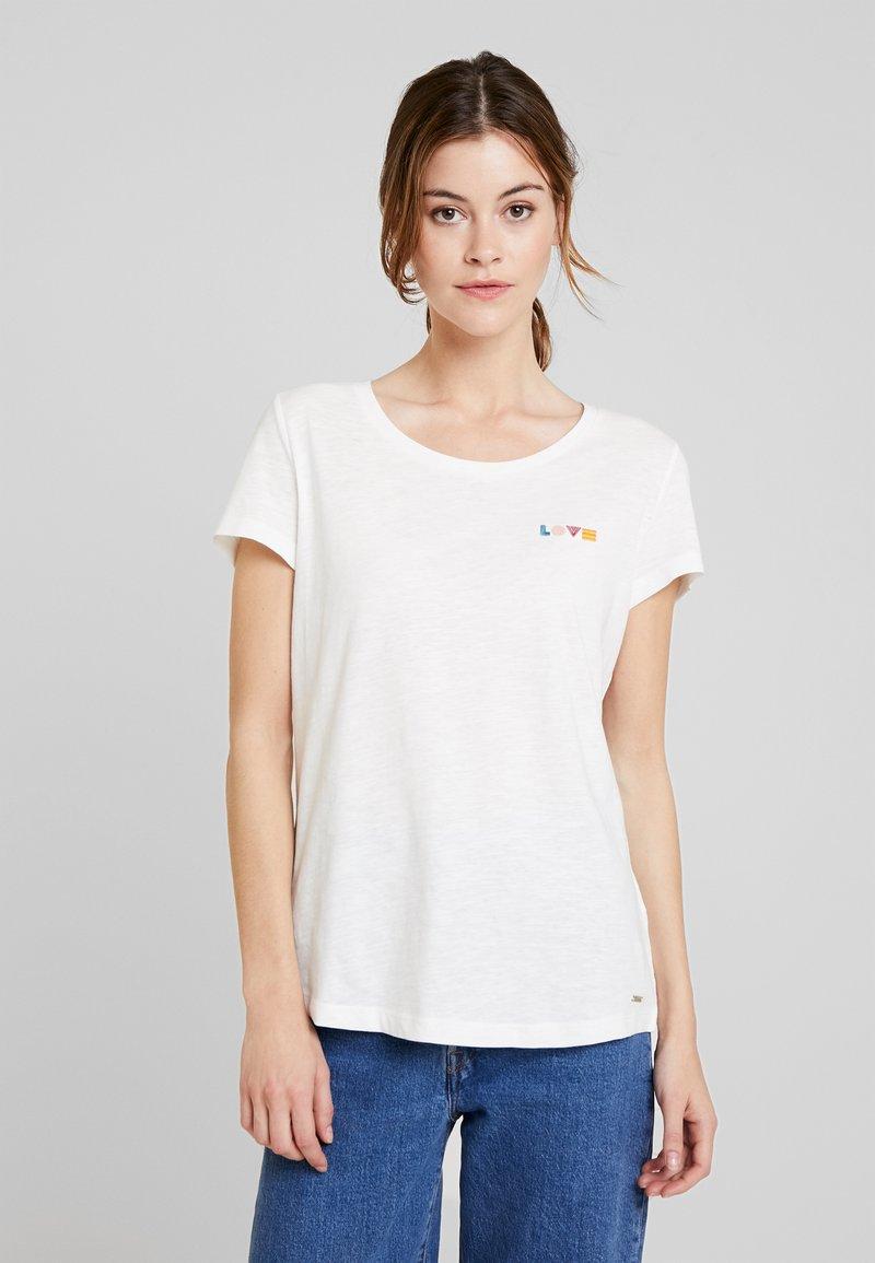 TOM TAILOR DENIM - SLUB TEE  - T-shirt z nadrukiem - off white