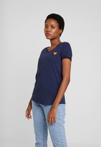 TOM TAILOR DENIM - TEE WITH PRINT - T-shirt print - real navy blue - 0