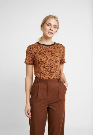 BASIC TEE - Print T-shirt - brown