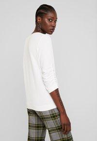 TOM TAILOR DENIM - WAFFLE STRUCTURED  - Jersey de punto - off white - 2