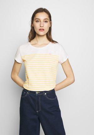 SLUB TEE - T-shirt z nadrukiem - yellow/white