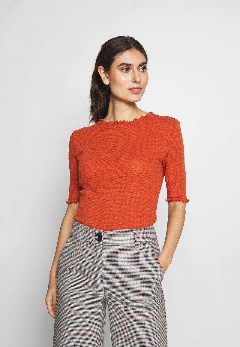 TOM TAILOR DENIM - POINTELLE MOCK NECK TEE - T-shirts - fox orange