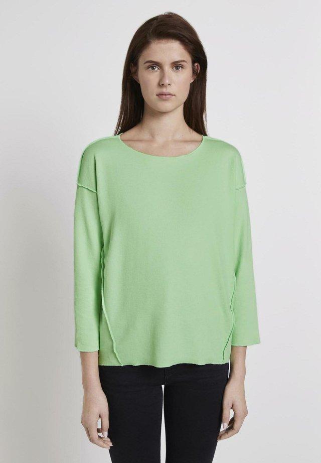 T-SHIRT GERIPPTES OVERSIZED SHIRT - Jersey de punto - soft neo green
