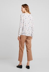 TOM TAILOR DENIM - V-NECK TUNIC WITH TURN-UP - Blouse - off white - 2