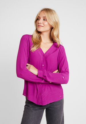 V NECK BLOUSE WITH BUTTONS - Blouse - bright berry