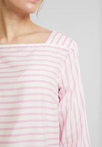 TOM TAILOR DENIM - STRIPED CARREEBLOUSE - Bluzka - rose/white - 5