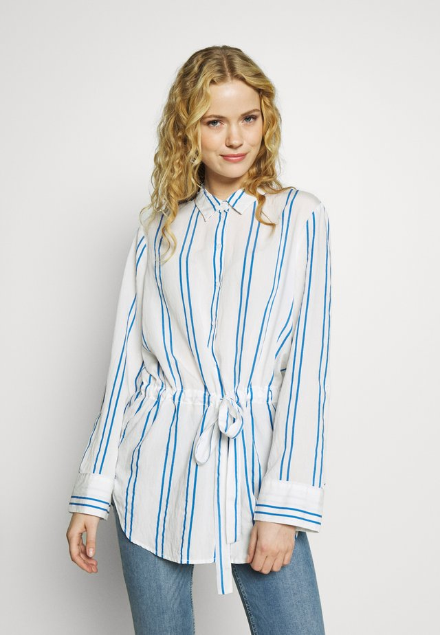 LONG BLOUSE WITH WAIST - Button-down blouse - white/blue