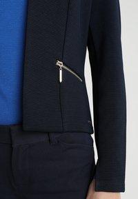 TOM TAILOR DENIM - COLLARLESS FITTED  - Blazer - sky captain blue - 4