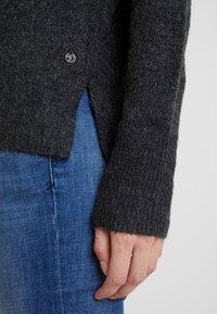 TOM TAILOR DENIM - Stickad tröja - shale grey melange - 6