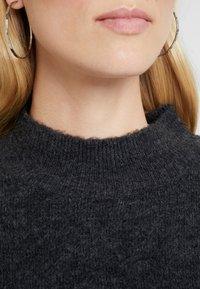 TOM TAILOR DENIM - Stickad tröja - shale grey melange - 4