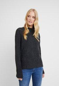 TOM TAILOR DENIM - Stickad tröja - shale grey melange - 0