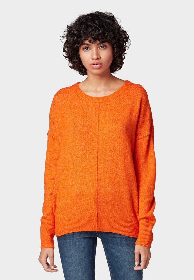 COSY CREW NECK  - Jersey de punto - caramel orange