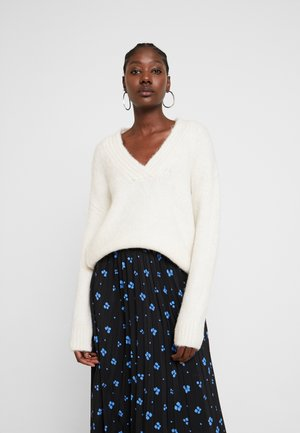 COSY V NECK - Strikkegenser - off white