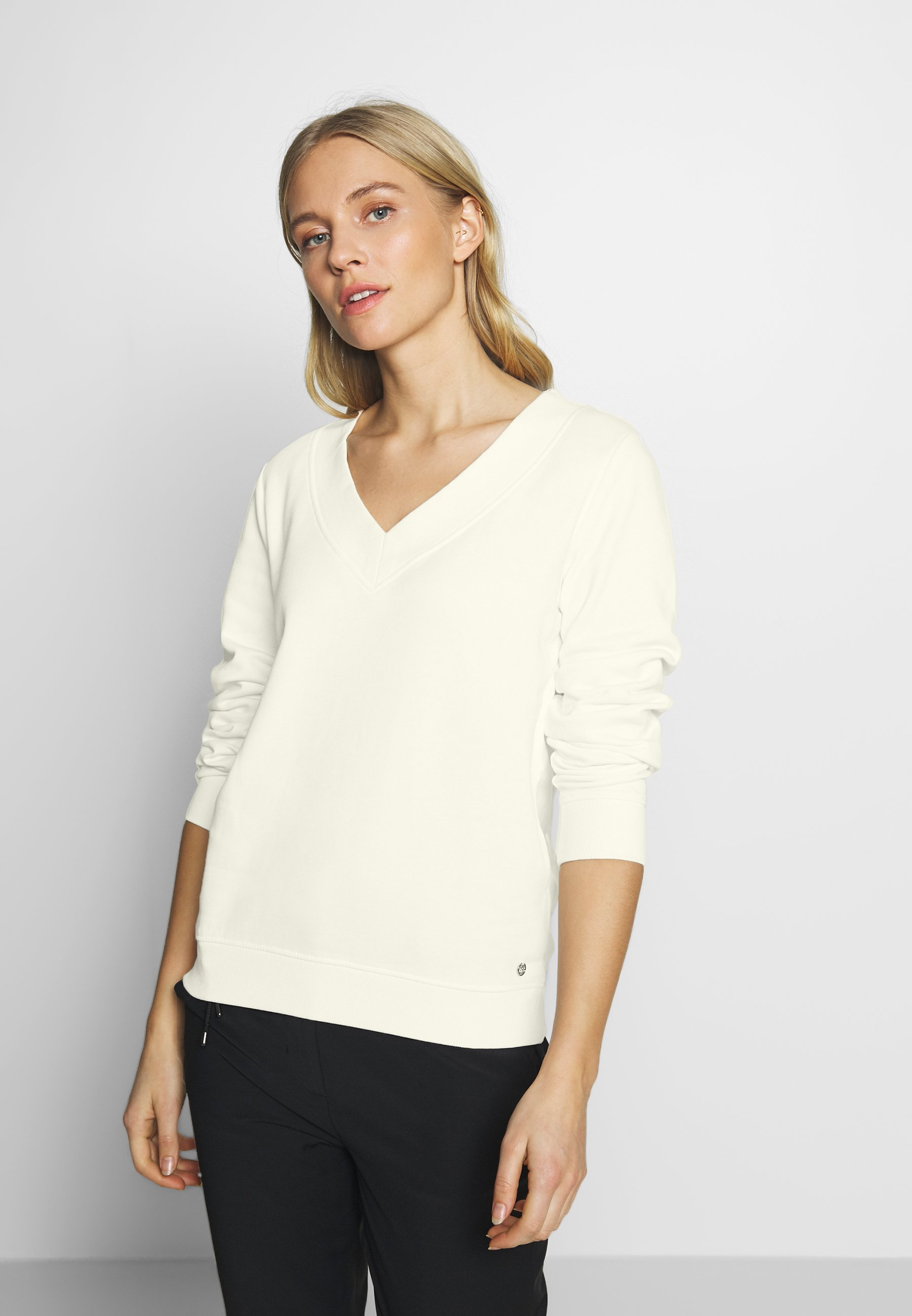 TOM TAILOR DENIM BASIC V-NECK SWEATER - Bluza - gardenia white