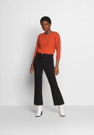 LONGSLEEVE BUTTONS - Long sleeved top - fox orange