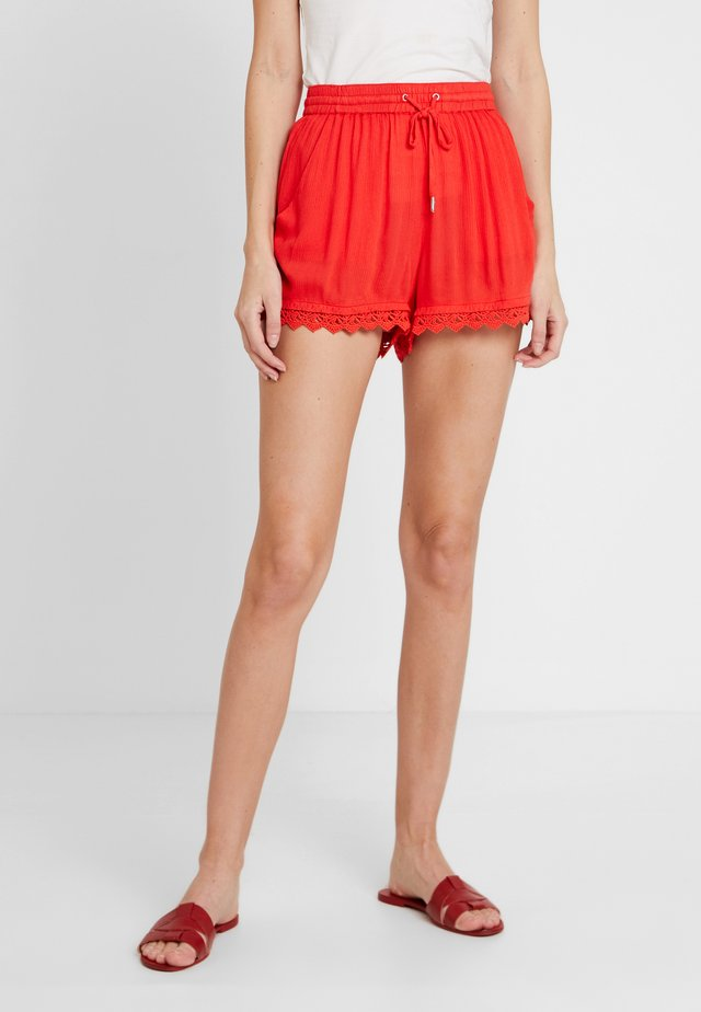 RELAXED - Shorts - brilliant red