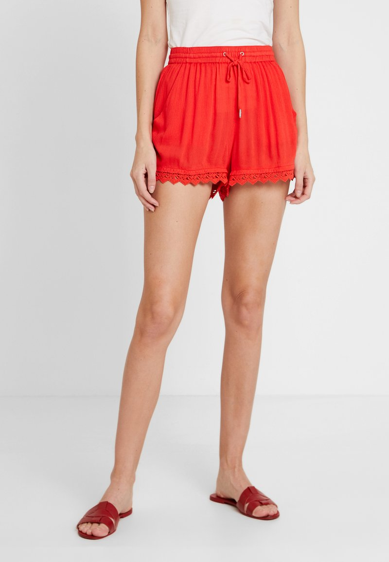 TOM TAILOR DENIM - RELAXED - Shorts - brilliant red
