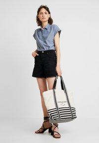 TOM TAILOR DENIM - A SHAPE HIGHWAIST - Shorts di jeans - dark stone/black denim - 1