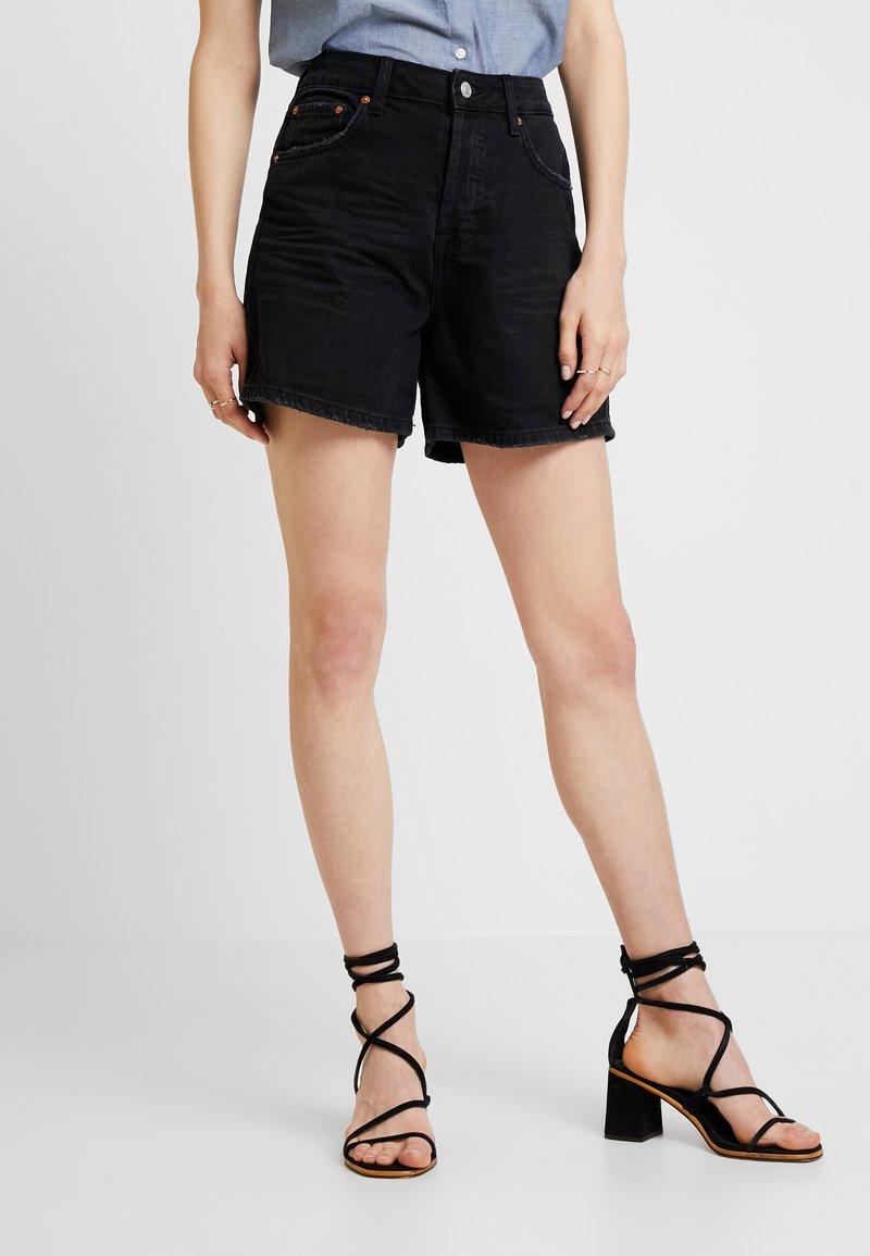 TOM TAILOR DENIM - A SHAPE HIGHWAIST - Denim shorts - dark stone/black denim