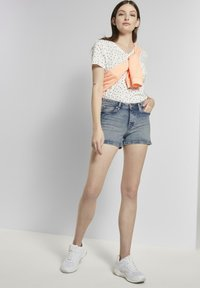 TOM TAILOR DENIM - MIT PUSH UP EFFECT - Shorts di jeans - moon wash mid blue denim - 1