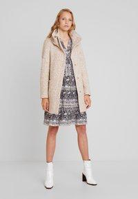 TOM TAILOR DENIM - COAT - Short coat - camel - 1